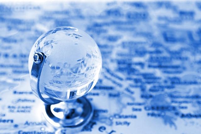 ガラスと地球儀
